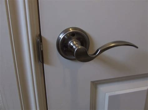 Best How To Unlock A Locked Bedroom Door Without A Key With Pictures