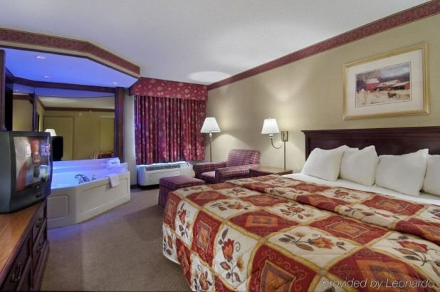 Best 2 Bedroom Hotel Rooms In Gatlinburg Tn Hotels With 2 With Pictures