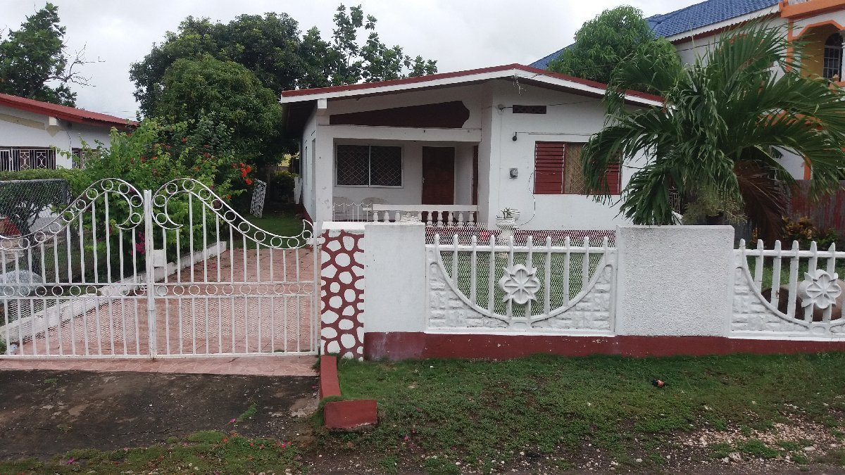 Best 3 Bedroom 2 Bathroom For Sale In Old Harbour St With Pictures