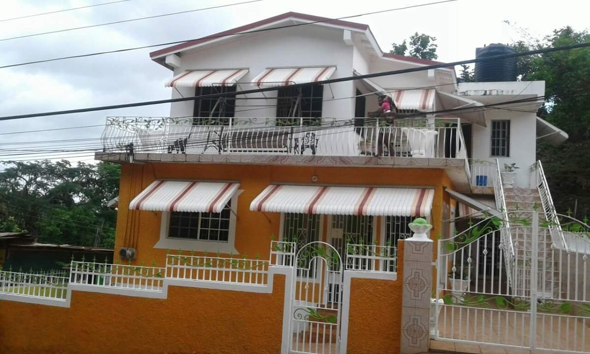 Best 2 Bedrooms 1 Bathroom House For Rent In Kitson Town St With Pictures