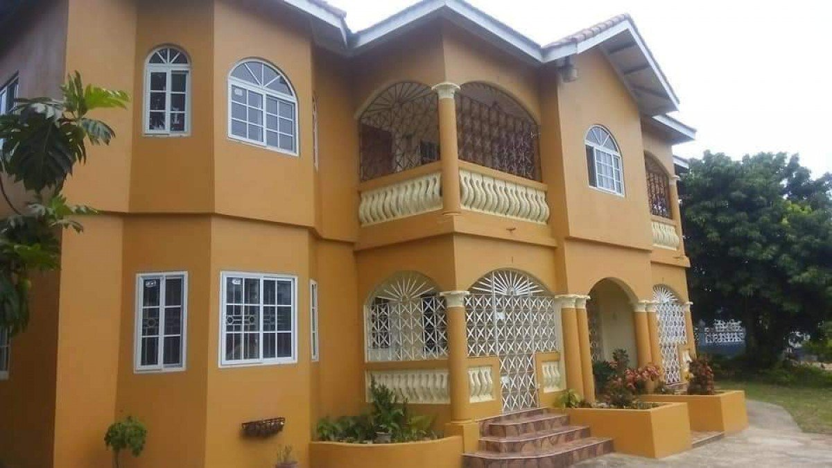 Best 2 Bedroom 1 5 Bathroom House For Rent In Linstead St With Pictures