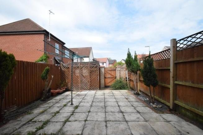 Best 3 Bedroom Terraced House To Rent In Rockingham Road Bury With Pictures