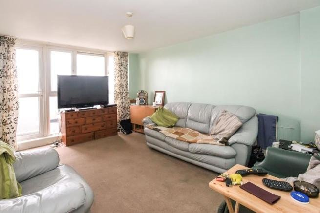 Best 2 Bedroom Flat For Sale In Green Court Green Close Luton With Pictures