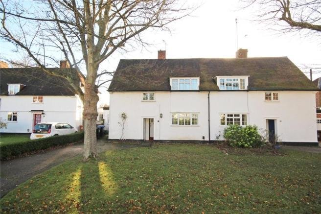 Best 3 Bedroom Semi Detached House For Sale In Dellcott Close With Pictures