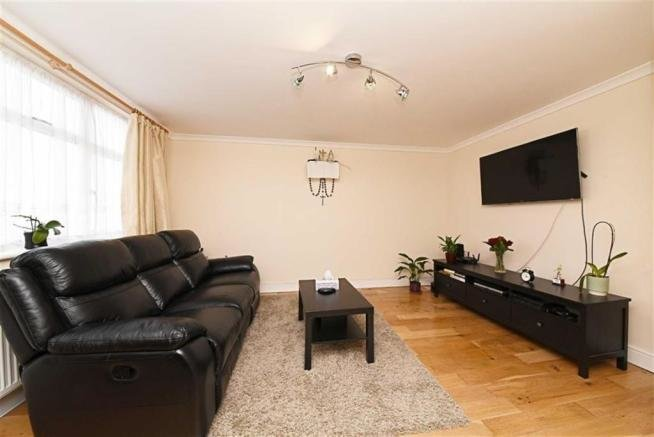 Best 1 Bedroom Flat For Sale In Sunny Gardens Parade Hendon London Nw4 With Pictures