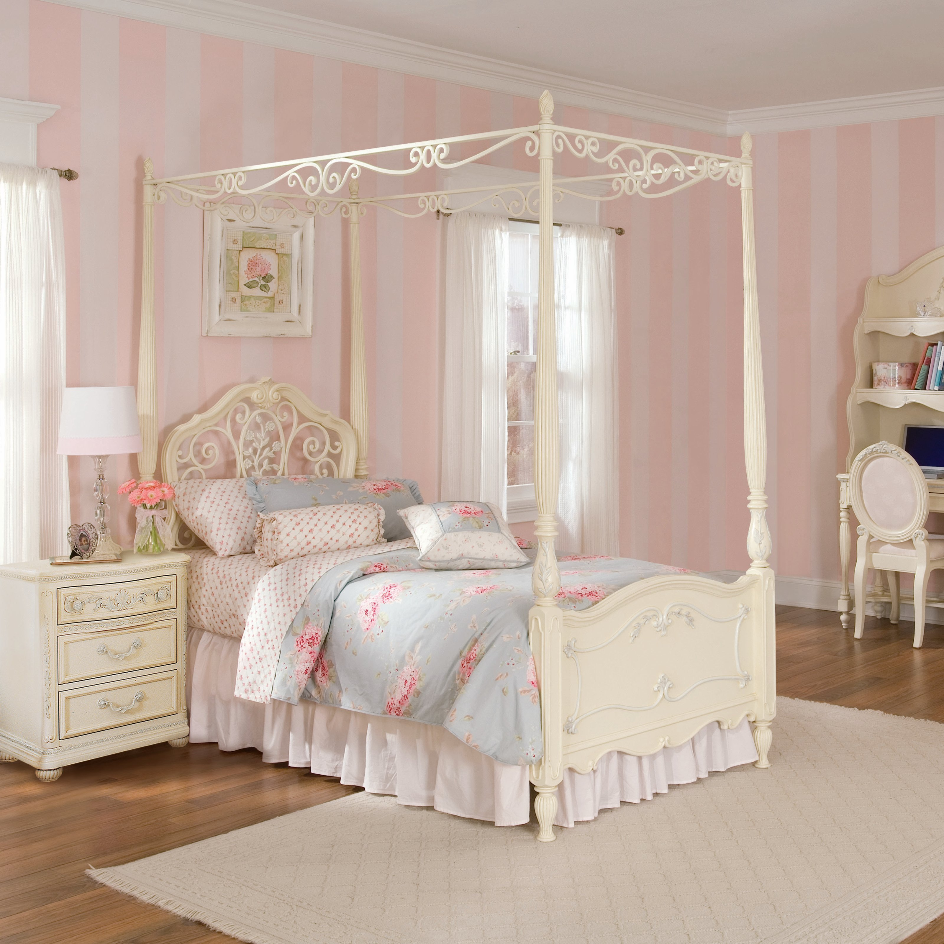 Best How To Make Girls Canopy Bed In Princess Theme Midcityeast With Pictures