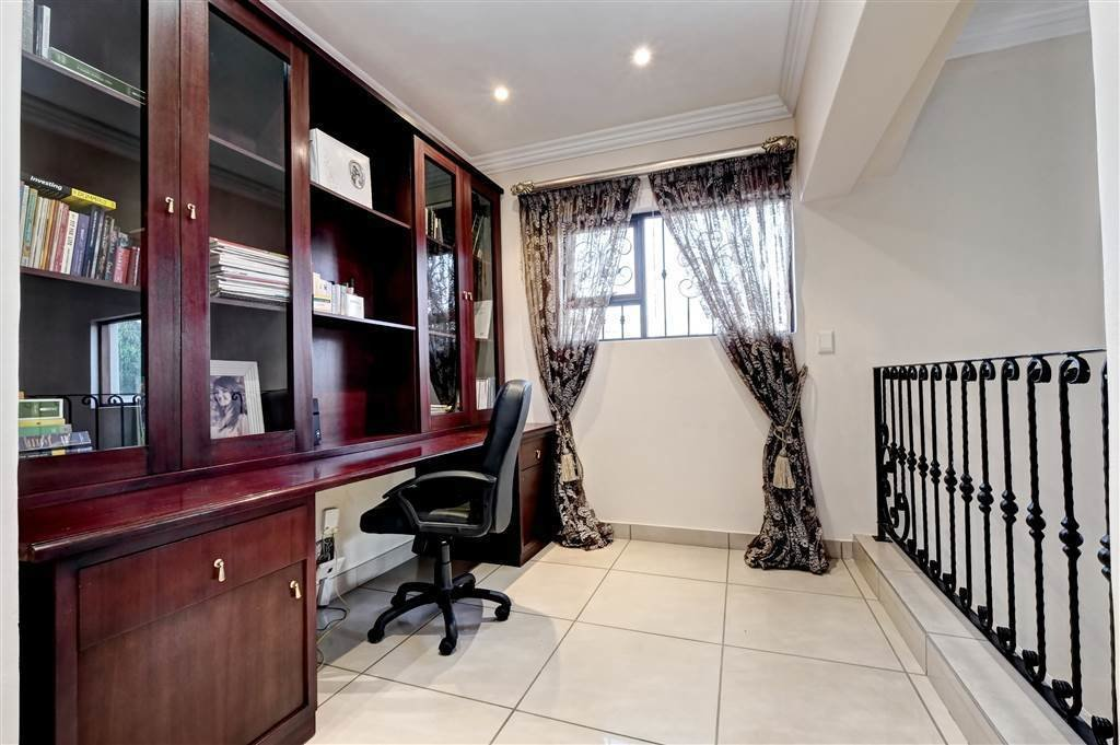Best 4 Bedroom Cluster In Beverley Private Property 24 With Pictures