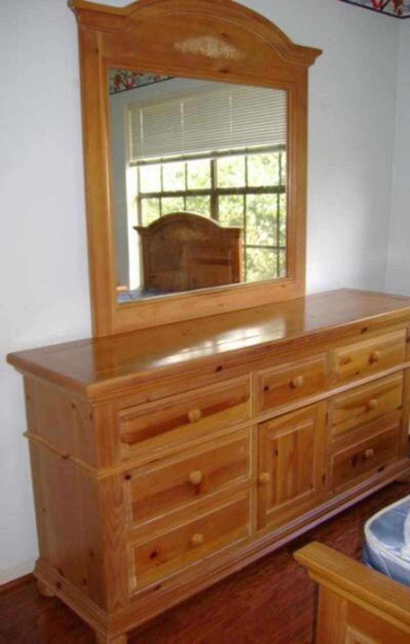 Best 5 Piece Broyhill Fontana Knotty Pine King Bedroom Set With Pictures