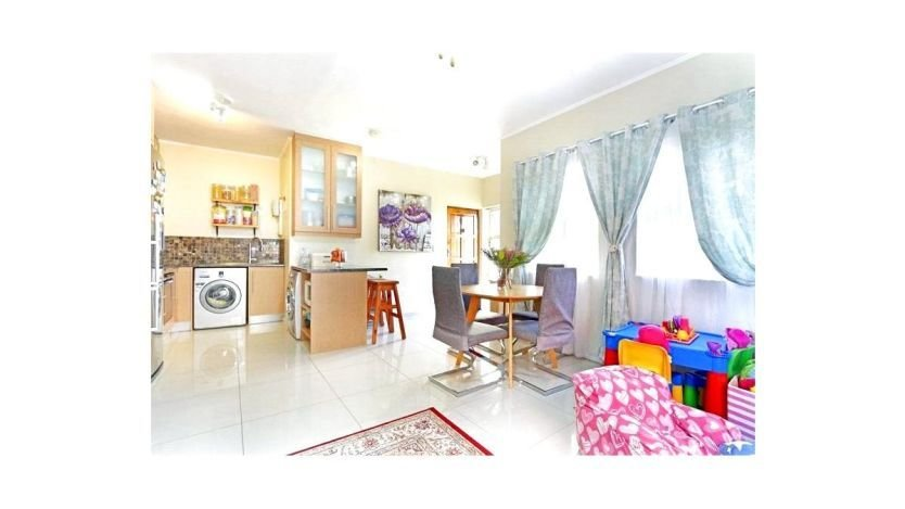 Best 2 Bedroom Apartment To Rent In Parklands Blouberg With Pictures