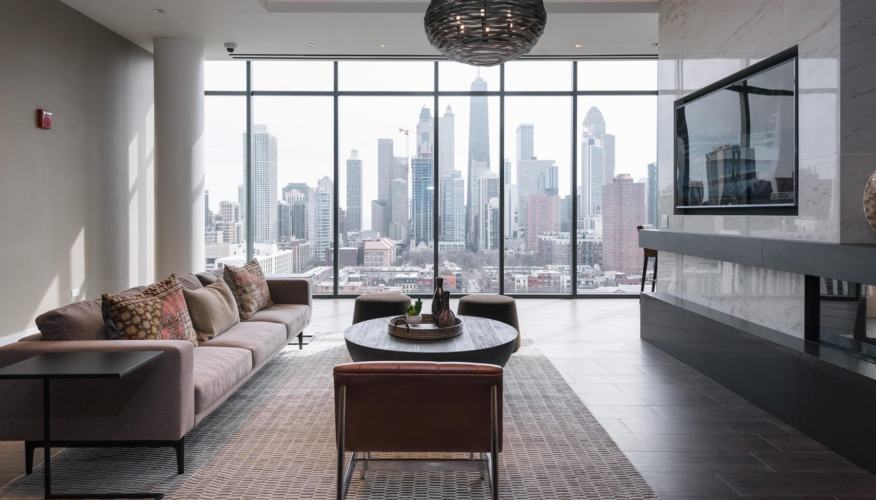 Best Luxury Apartments Condos For Rent Luxury Living Chicago With Pictures