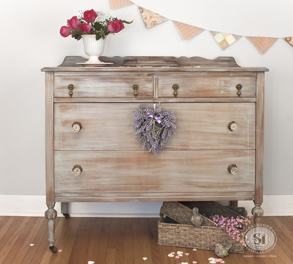 Best Distressed Furniture Which Paint Distressing Technique Is With Pictures