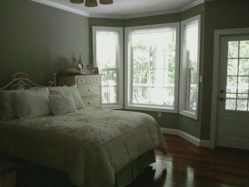 Best Behr Textured Seafoam Green Paint In Guest Bedroom With Pictures