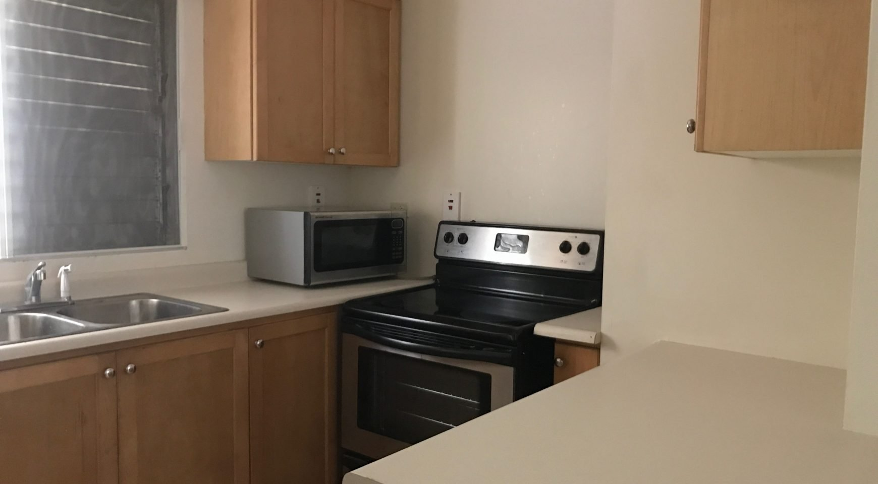 Best Ground Floor One Bedroom Apartment For Rent On Wellington With Pictures