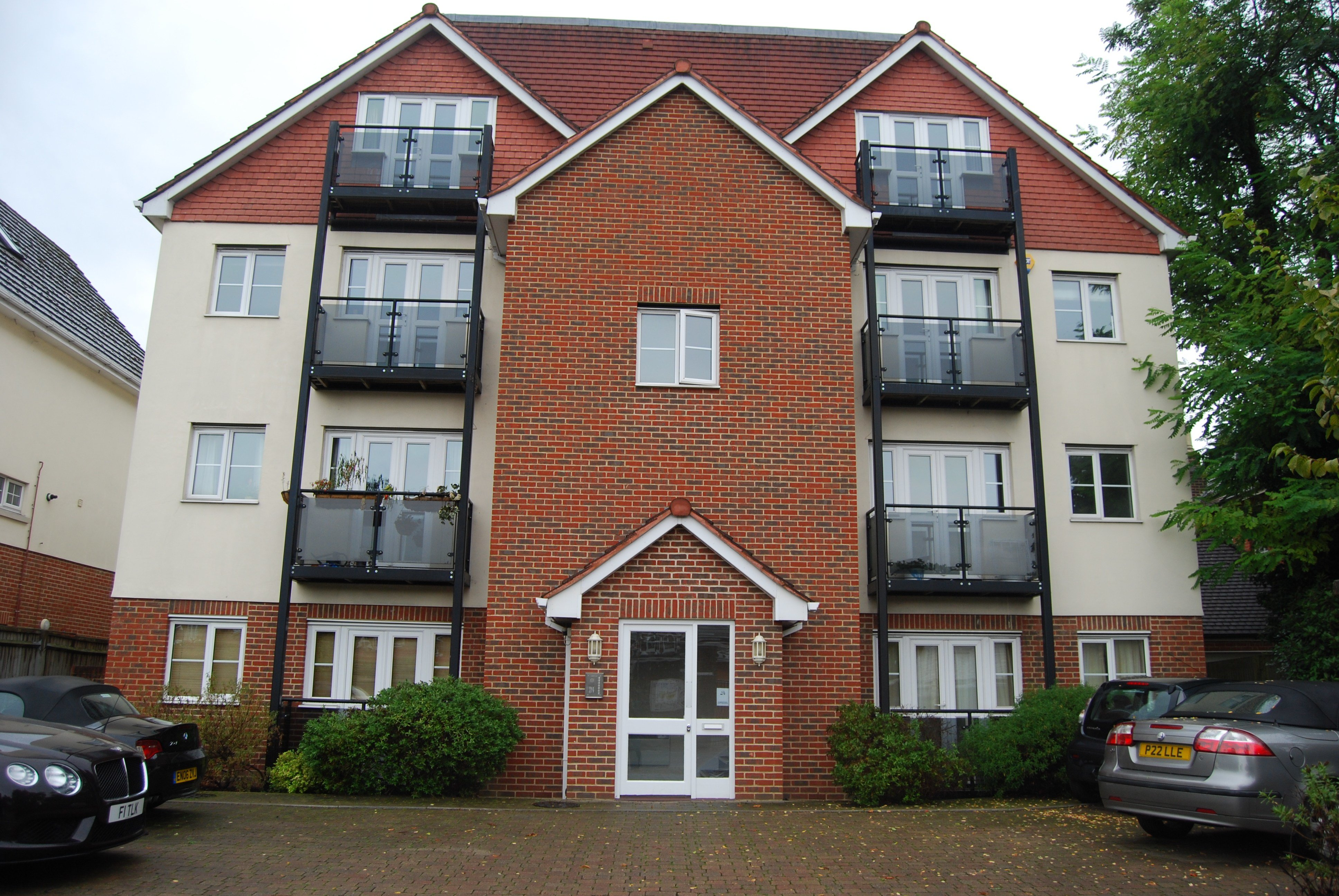 Best 2 Bedroom Flat To Rent Plaistow Lane Bromley Br Br1 3Je With Pictures