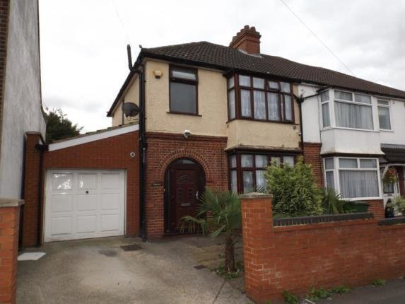 Best 3 Bedroom House For Sale Putteridge Road Luton With Pictures