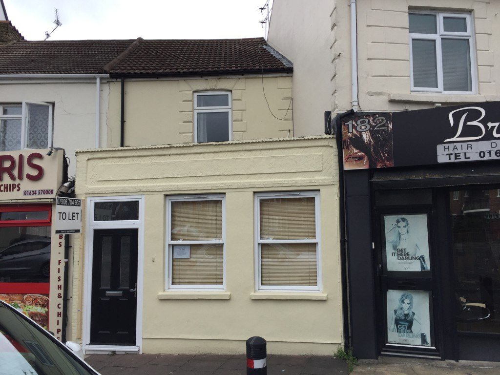 Best 1 Bedroom Flat To Rent Canterbury Street Gillingham Me7 5Xg With Pictures Original 1024 x 768
