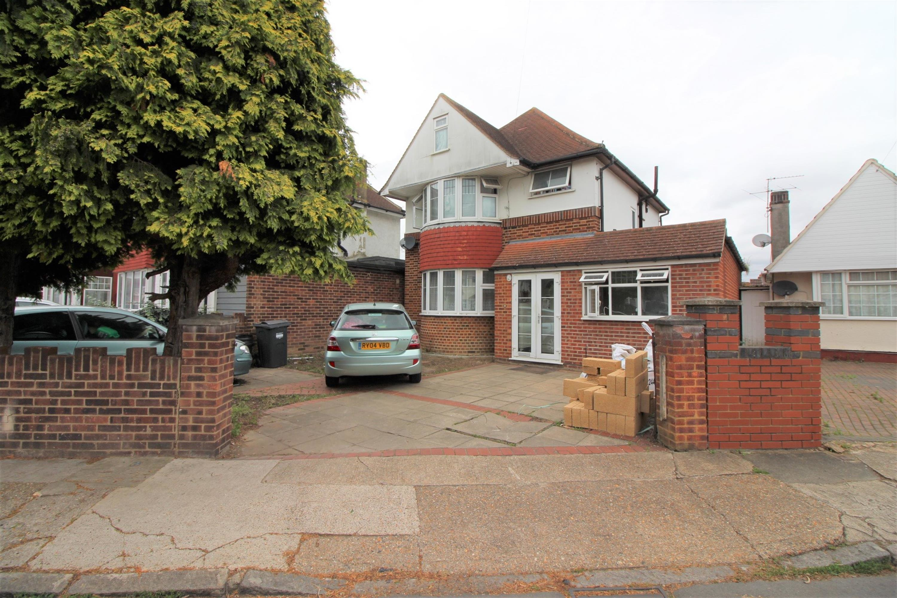 Best 2 Bedroom Flat To Rent Roseheath Road Hounslow Tw Tw4 5Hg With Pictures