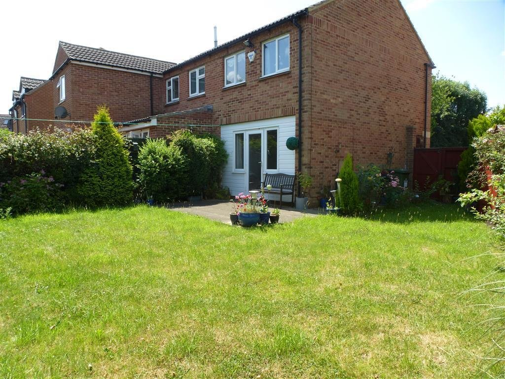 Best 2 Bedroom House To Rent Dolben Court Milton Keynes Mk15 9Hs With Pictures