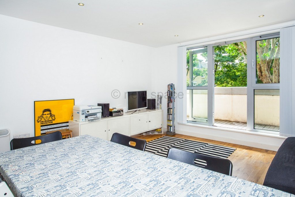 Best 2 Bedroom Flat To Rent One N One Southgate Road London With Pictures