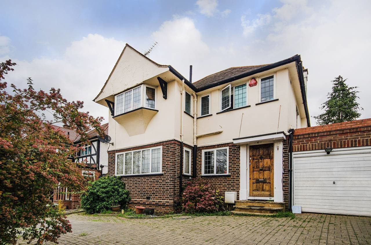 Best 3 Bedroom Detached House For Sale The Crossways Wembley With Pictures