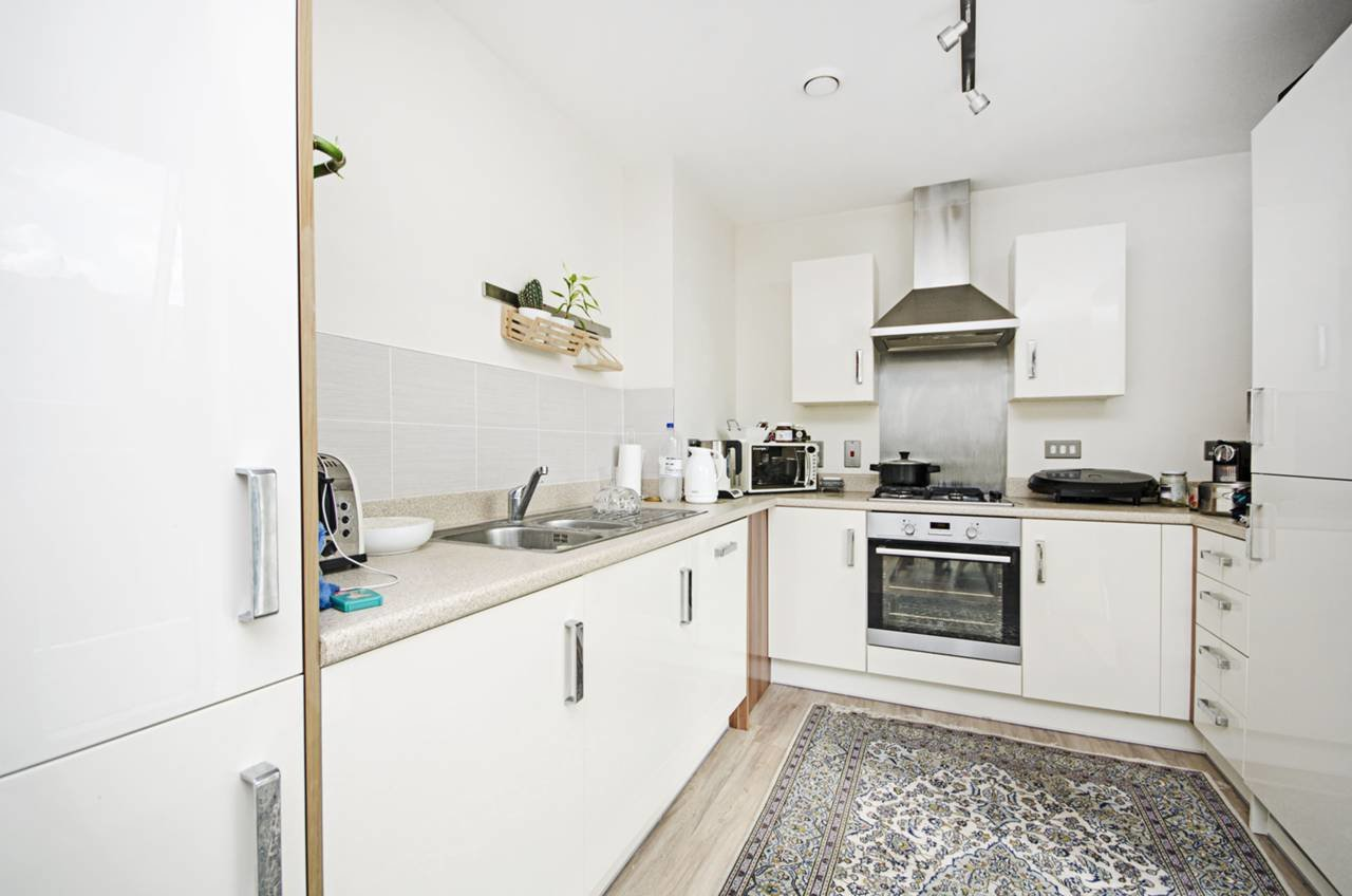 Best 1 Bedroom Flat To Rent The Hyde Colindale Nw Nw9 5Ng With Pictures Original 1024 x 768