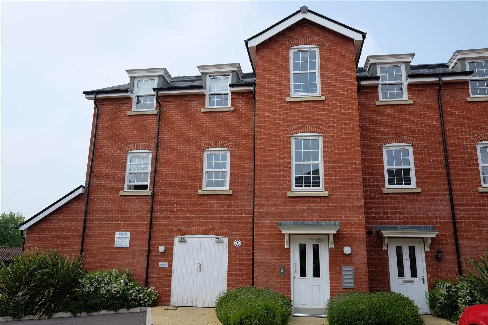 Best 2 Bedroom Flat To Rent George Roche Road Canterbury Ct With Pictures