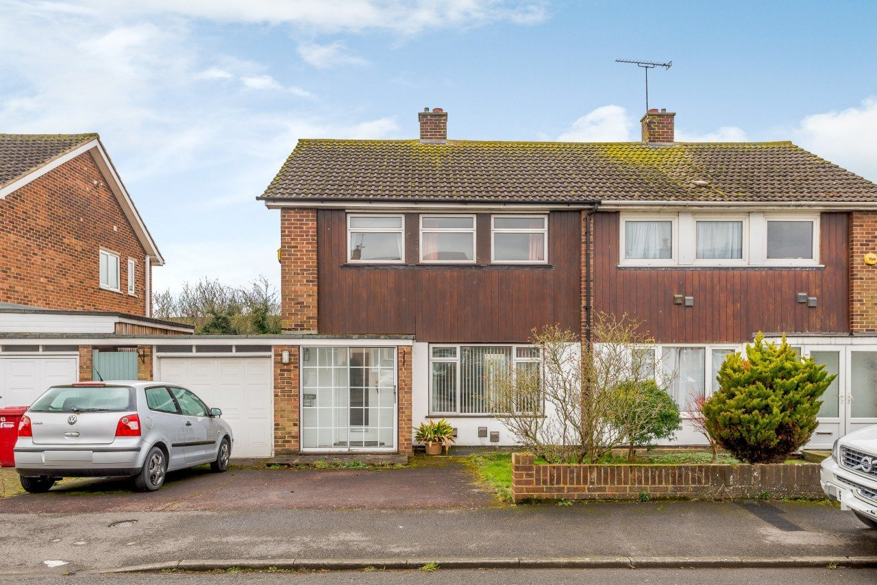 Best 3 Bedroom Semi Detached House For Sale Laburnum Grove With Pictures