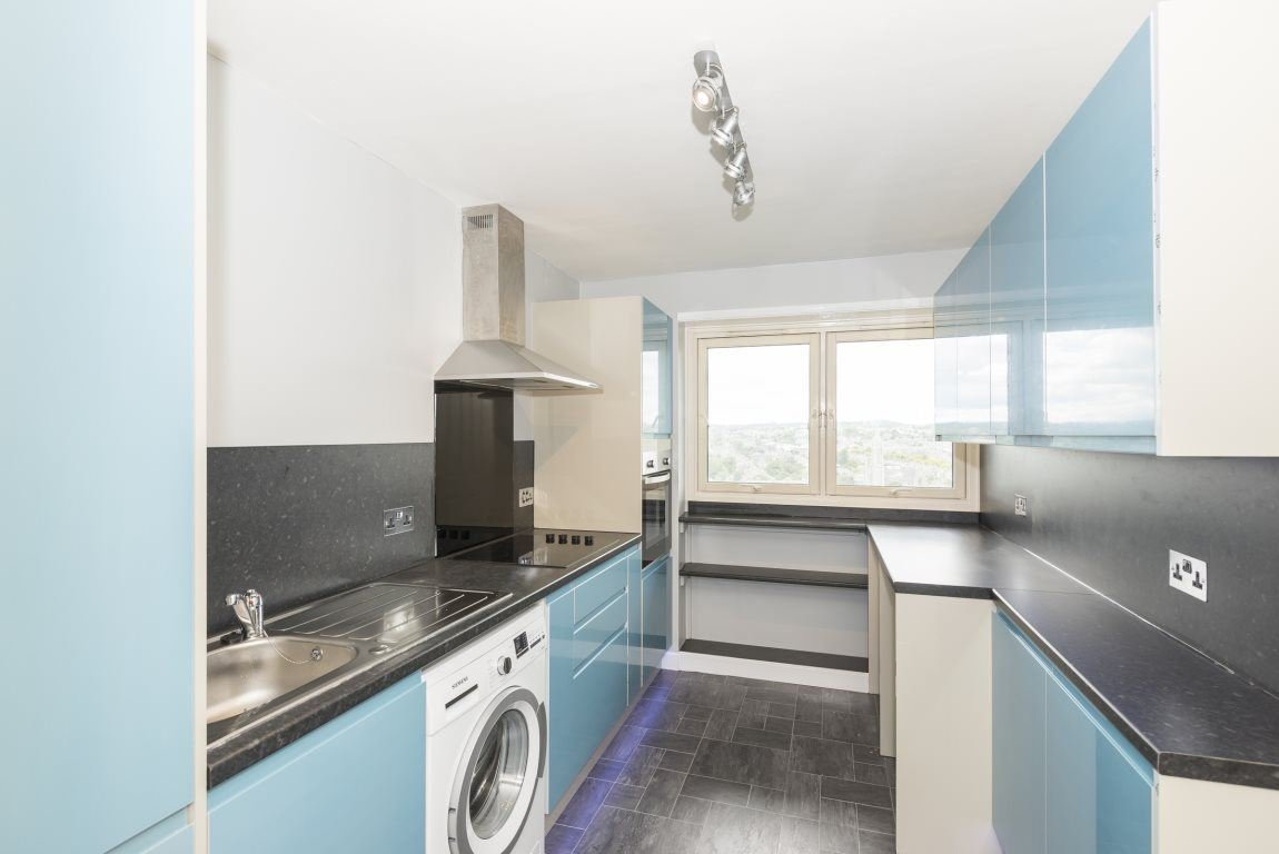 Best 2 Bedroom Flat To Rent Thistle Court Aberdeen Ab Ab10 1Se With Pictures