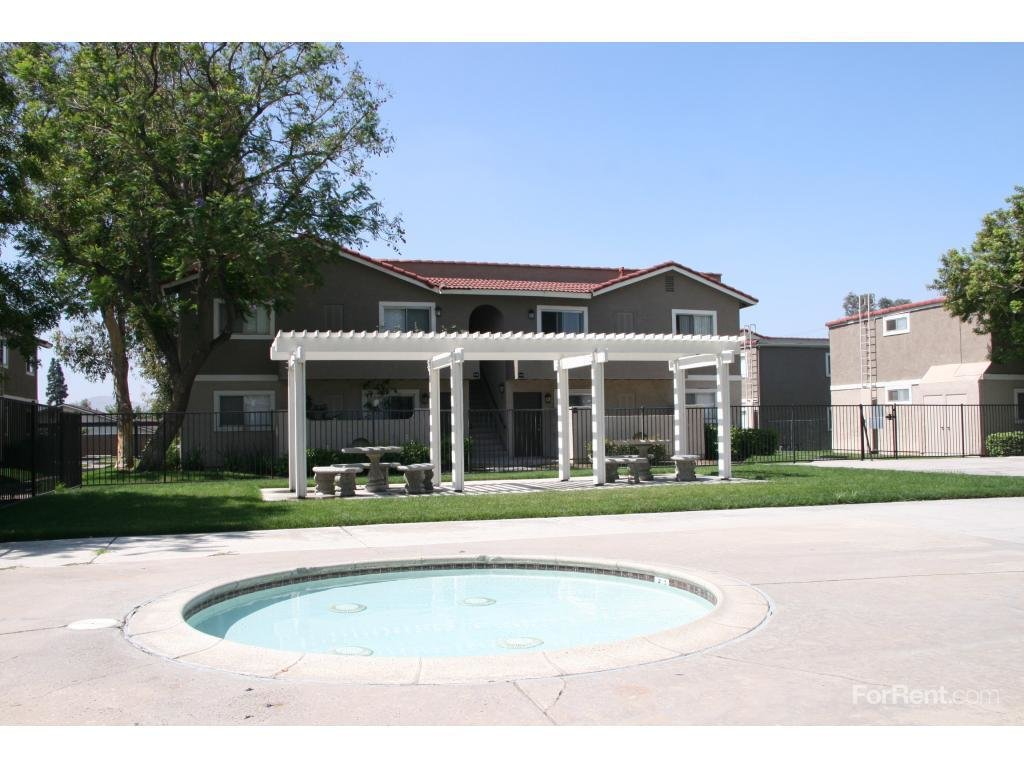 Best Aventerra Apartment Homes Apartments Fontana Ca Walk Score With Pictures