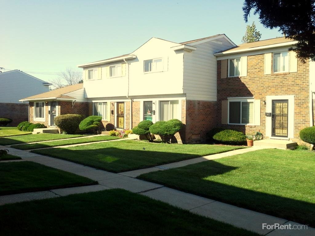 Best London Towne Houses Cooperative Apartments Chicago Il With Pictures