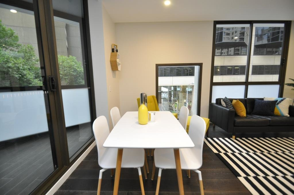 Best Price On Sydney Cbd Fully Self Contained Modern 2 With Pictures