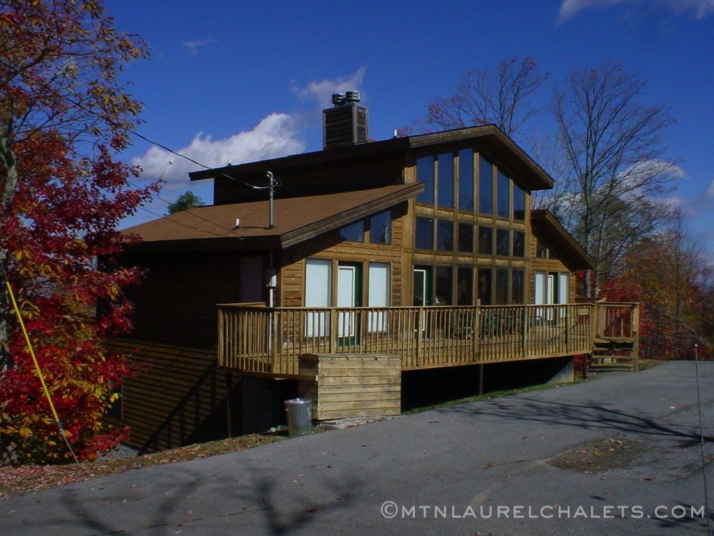 Best Amazing Grace A 4 Bedroom Cabin In Gatlinburg Tennessee Mountain Laurel Chalets Gatlinburg With Pictures