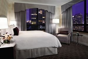 Best Magnificent Mile Suite – Chicago Hotel Suites The Ritz With Pictures