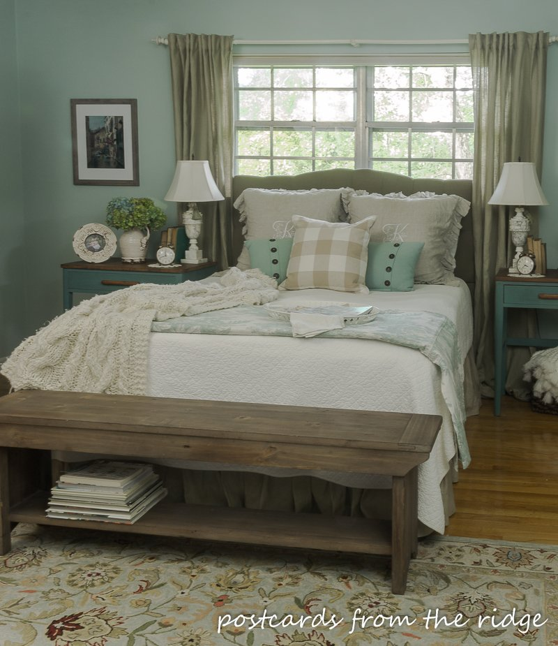 Best 9 Simple Ways To Add Farmhouse Charm To Any Bedroom With Pictures