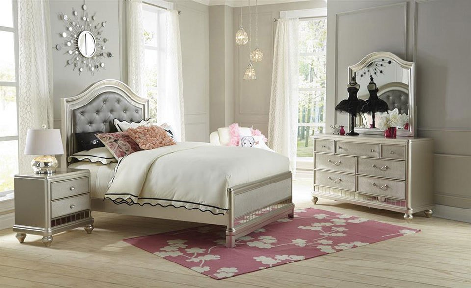 Best Lil Posh 4 Piece Full Bedroom Set Platinum With Pictures