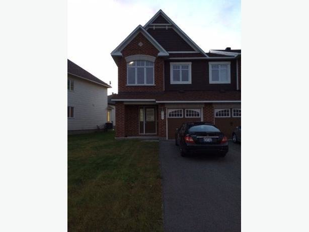 Best 2 Bedroom Townhouse For Rental In Barrhaven Nepean Ottawa With Pictures