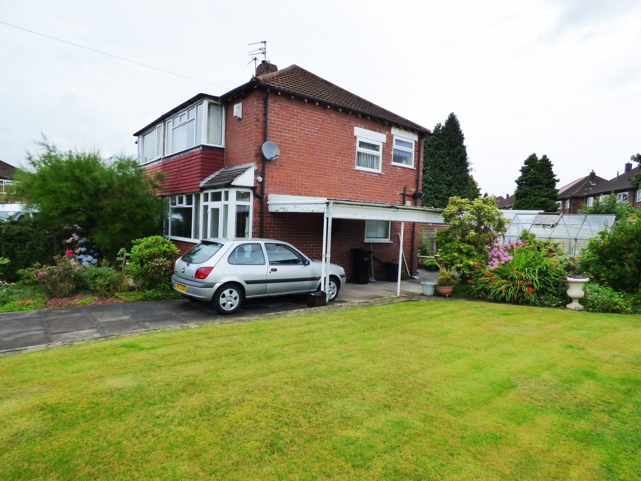 Best 2 Bedroom Semi Detached House For Sale In 71 Tennyson Road With Pictures
