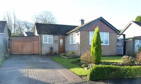 Best 2 Bedroom Detached Bungalow For Sale In 4 Park Avenue With Pictures