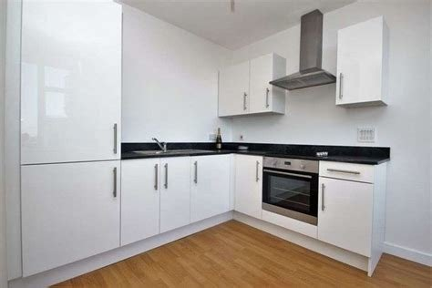 Best 1 Bedroom Flat To Rent The Chocolate Box Christchurch With Pictures Original 1024 x 768