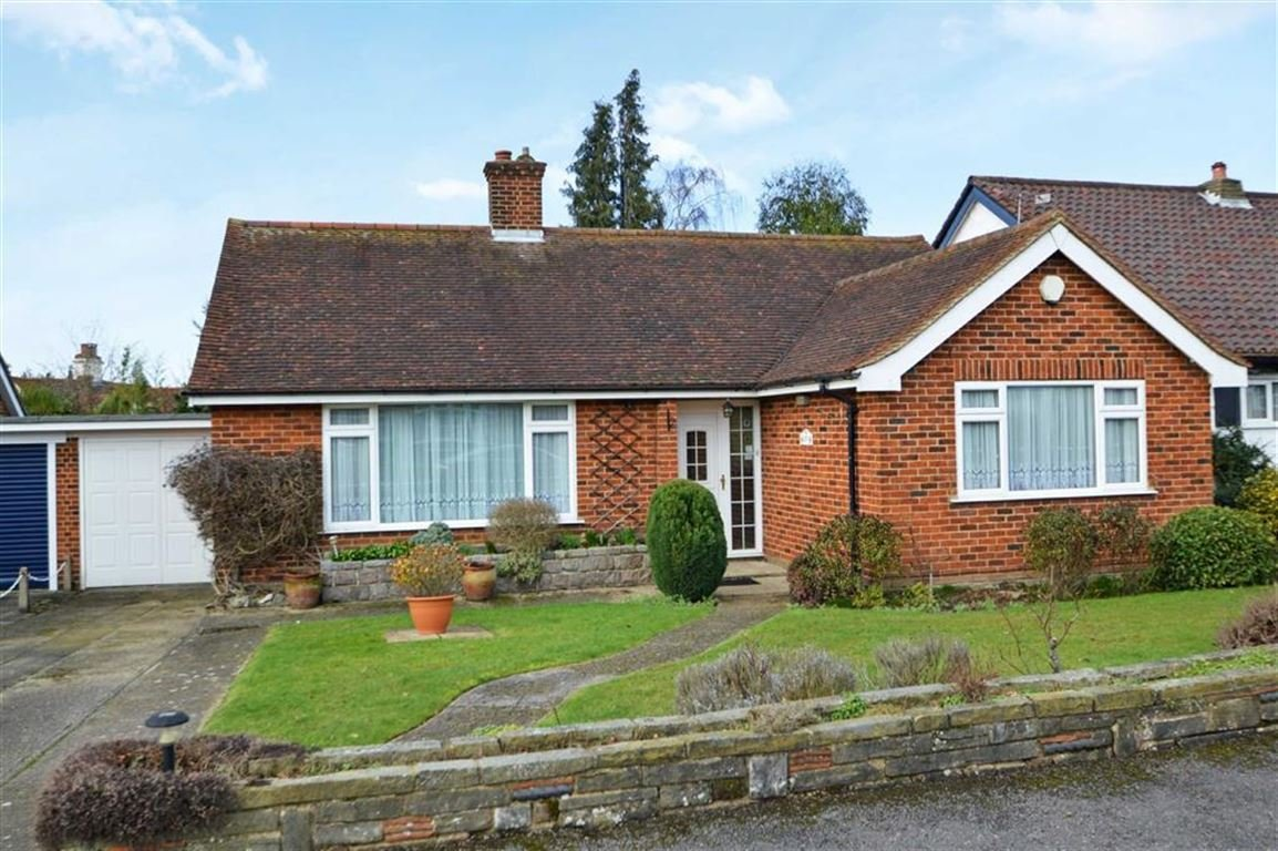 Best 2 Bedroom Detached Bungalow For Sale In Epping With Pictures