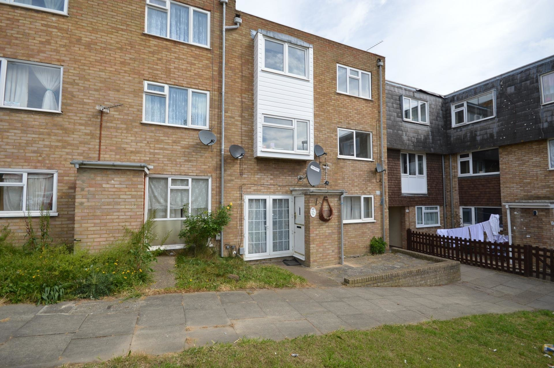 Best 2 Bedroom Flat For Sale In Luton With Pictures