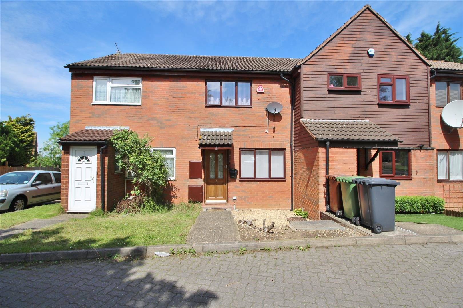 Best 2 Bedroom Terraced House For Sale In Borehamwood With Pictures