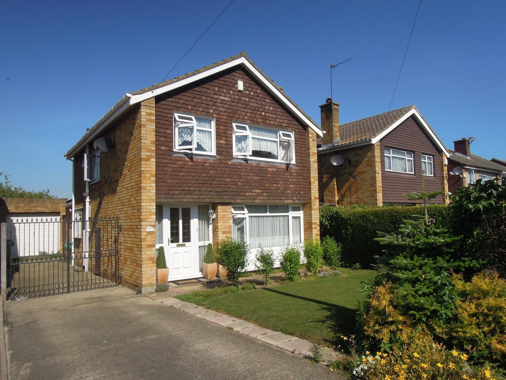 Best 3 Bedroom House For Sale In Slough With Pictures
