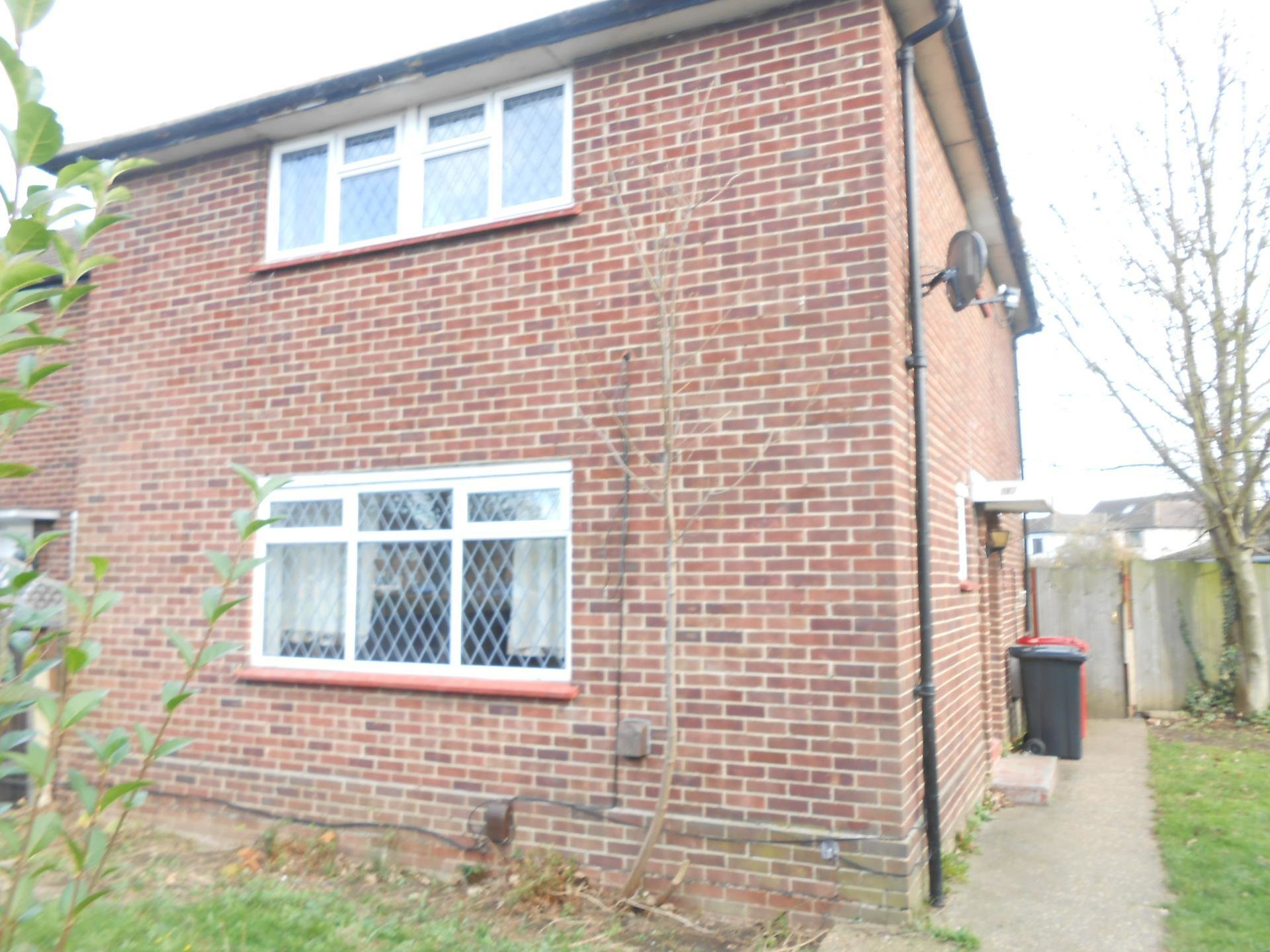 Best 3 Bedroom House For Rent In Slough With Pictures