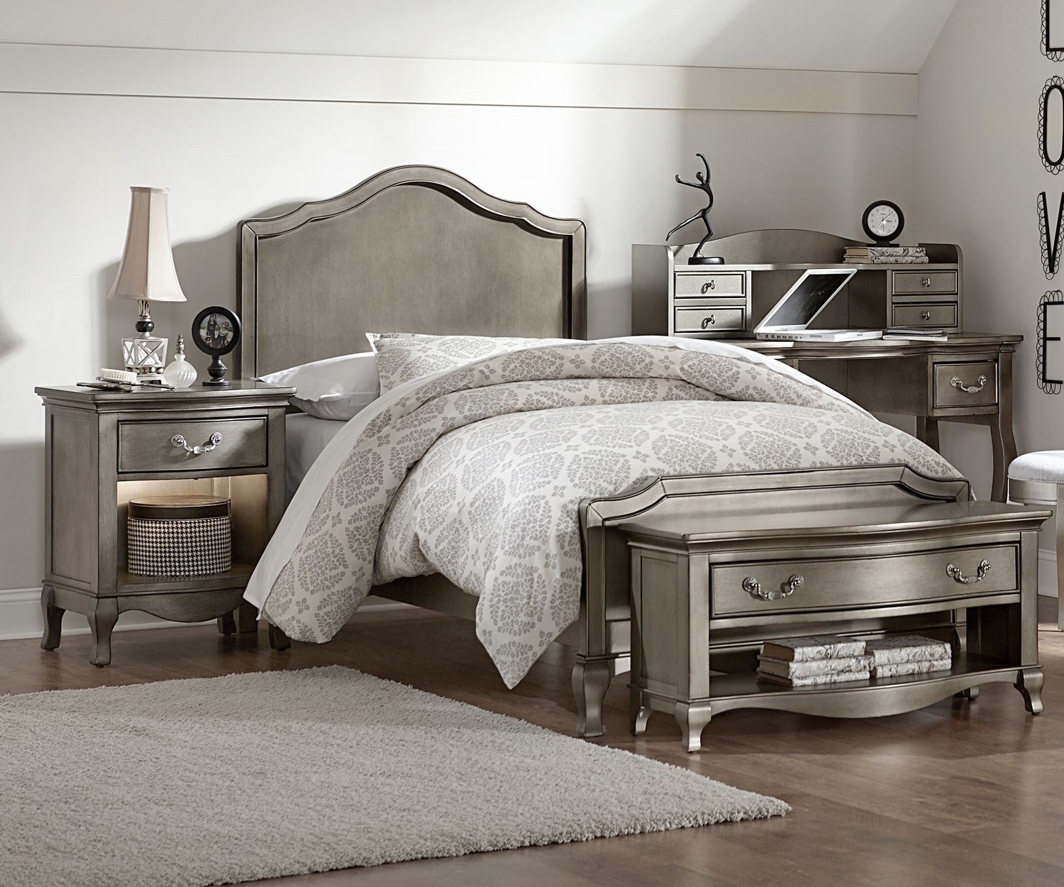 Best Kensington Silver Finish Charlotte Twin Size Panel Bed With Pictures