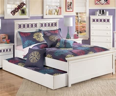 Best Zayley Panel Bed With Trundle Full Size Bedroom With Pictures