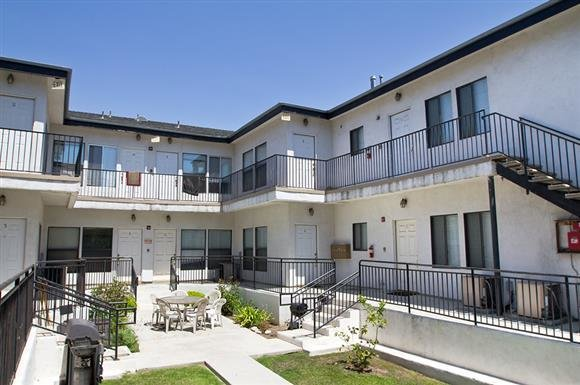 Best 21St Street Apartments 1227 21St Street Santa Monica Ca Rentcafé With Pictures