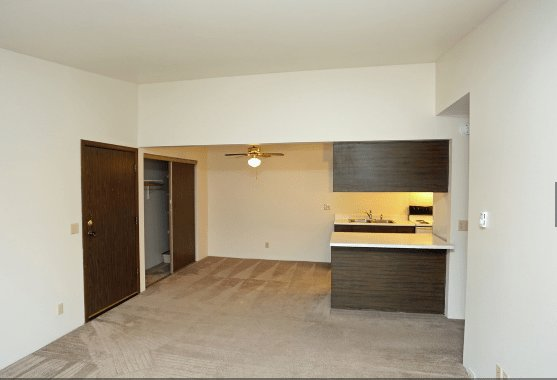 Best Evergreen Square Apartments 3030 W Spencer Street With Pictures