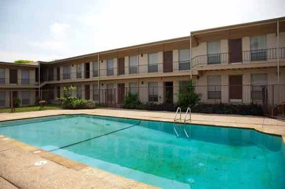 Best Glen Oaks Apartments 5101 Hawthorne Waco Tx Rentcafé With Pictures