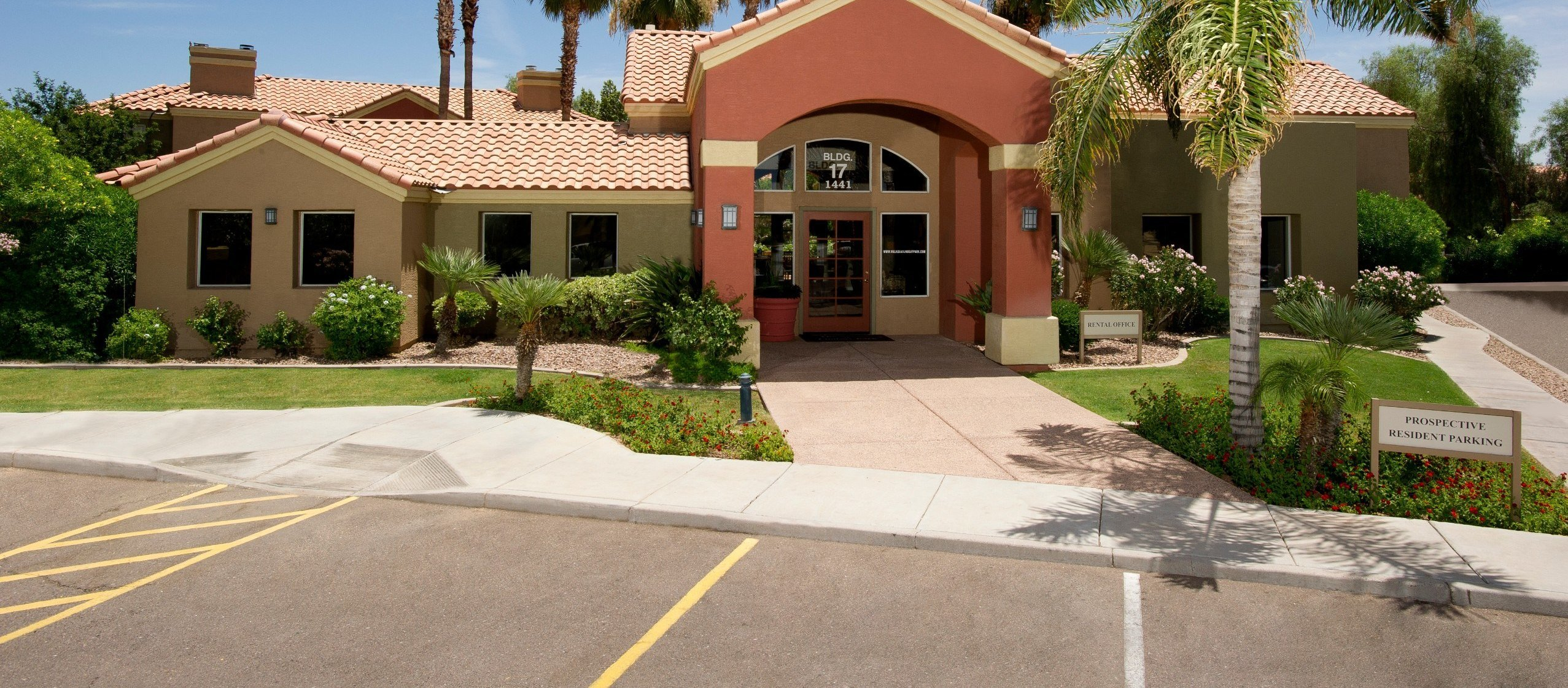 Best The Village At Lindsay Park Apartments Apartments In Mesa Az With Pictures